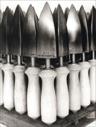 Bügeleisen für Schuhfabrikation, photo, Albert Renger-Patzsch