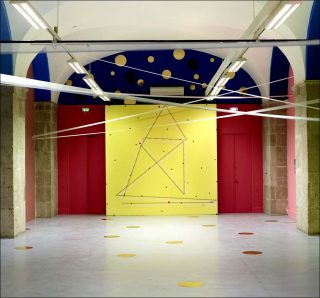 Les restructurations spatiales, installation, Noël Dolla