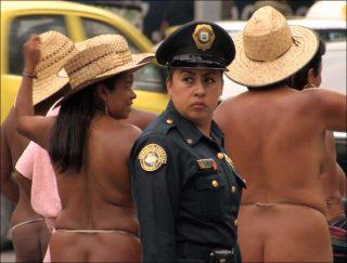 Los Desnudos, vidéo, Clarisse Hahn
