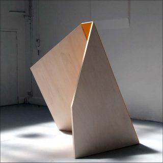 Dans l'angle ajour, sculpture, Florentine Charon