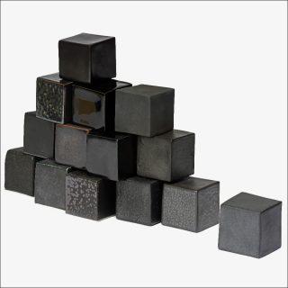Emmanuel Boos, Cubes noirs Sèvres 07.0, 2018