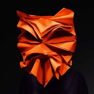 Andy Singleton (sculptures de papier), John Ross (photographies), Pentagram (studio de design), Emotional States - Anger, 2018