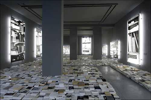 Joseph kosuth critique du ph nom ne de la bibioth que for Art contemporain livre