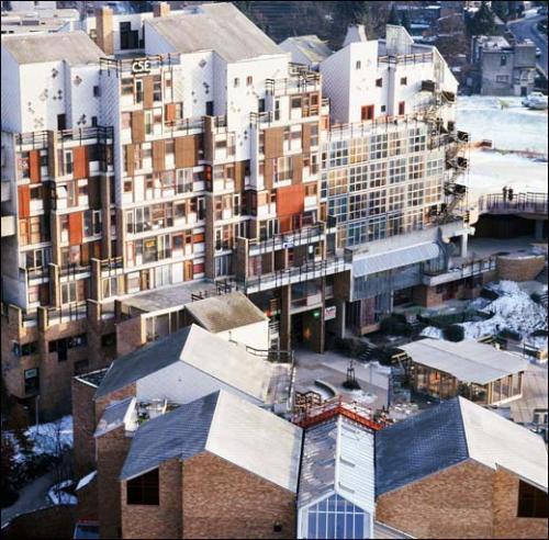 Simone kroll lucien kroll tout est paysage une for Architecture utopiste