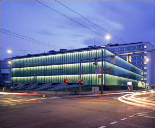 Silvia gm r reto gm r architekten un h pital est une maison d homme paris 4e galerie d - Gmur architekten ...