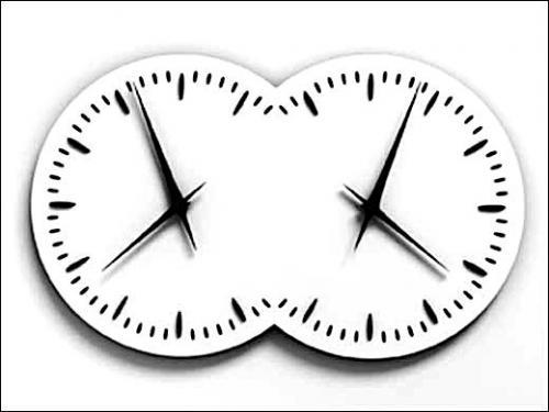 Esther Shalev-Gerz, Les Inséparables, 2000-2010. Horloge, 67 x 120 x 15 cm. OEuvre produite par la Manufacture Jaeger-LeCoultre