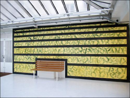 David Tremlett, Around Here, 2011. Pastel sur mur. 300 x 700 cm