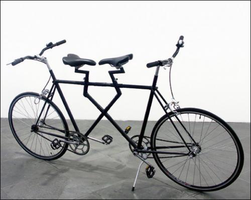 Jean Dupuy, L'Anacycle, 2006. Techniques mixtes. 117 x 207 x 61 cm