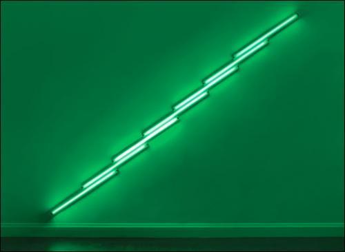 Dan Flavin, Sans titre, 1975. Lampe fluorescente verte 488 cm en diagonal.