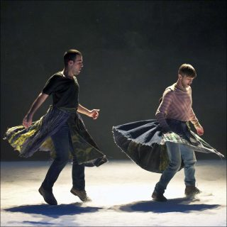 9000 pas, Danse contemporaine, Joanne Leighton.