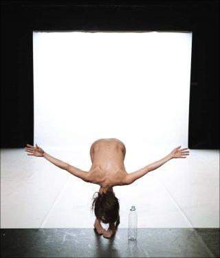 Le récital des postures, Danse contemporaine, Yasmine Hugonnet