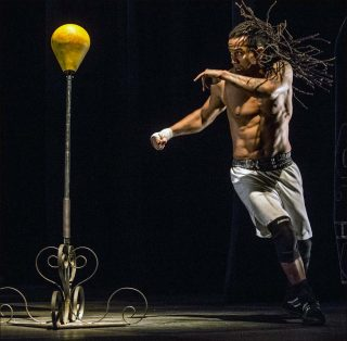 Mourad Merzouki, Boxe Boxe Brasil, 2017. Danse contemporaine.