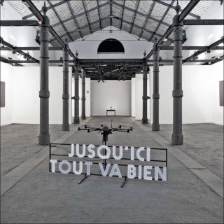 Spin-off Jusqu'ici tout va bien, installation, Renaud-Auguste Dormeuil