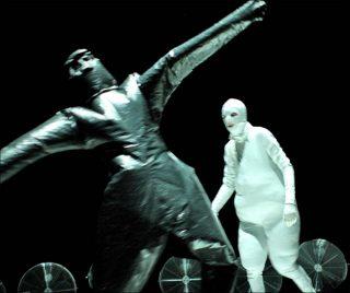 Phia Ménard (Cie Non Nova), Vortex, 2011