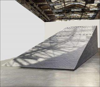 Theaster Gates, Vue de l'exposition « Amalgam », Palais de Tokyo, 2019.