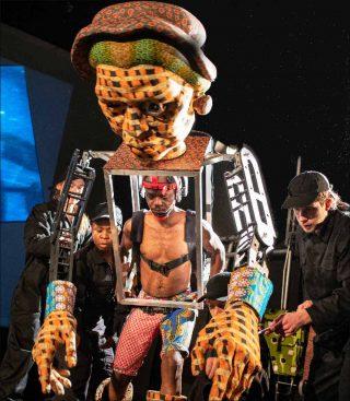 Robyn Orlin et la Handspring Puppet Company, Save the Pedestals!, 2018