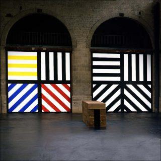 Vue de l'exposition Collections parallèles, au CAPC, 1999.