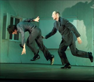 Alan Lucien Øyen et le Tanztheater Wuppertal, Bon voyage, Bob, 2018