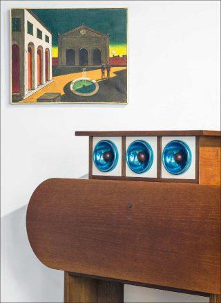 Ettore Sottsass, cabinet Barbarella, 1966. Giorgio De Chirico, L'addio dell'amico che parte all'amico che rimane, 1950